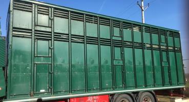Williams 28' Three Deck Livestock Transporter